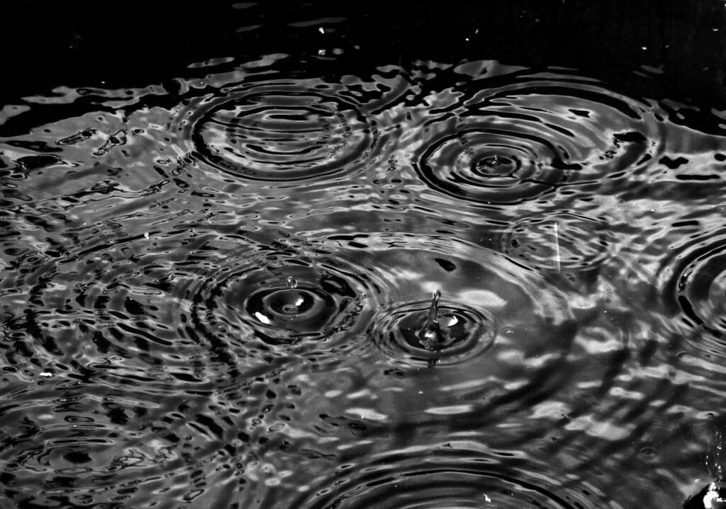 Wallpaper Desktop Girl Falling Rain Ripples In A Rain Barrel Arbyreed Flickr