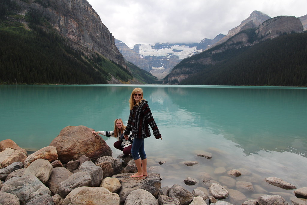 Nice 3d Wallpaper Lake Louise Alberta Canada These Young Ladies Were