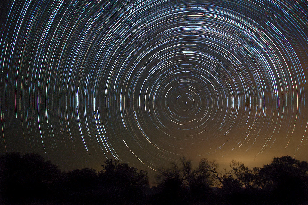 Wallpaper 3d Bergerak Star Trails While Watching Perseid Meteor Shower Photo