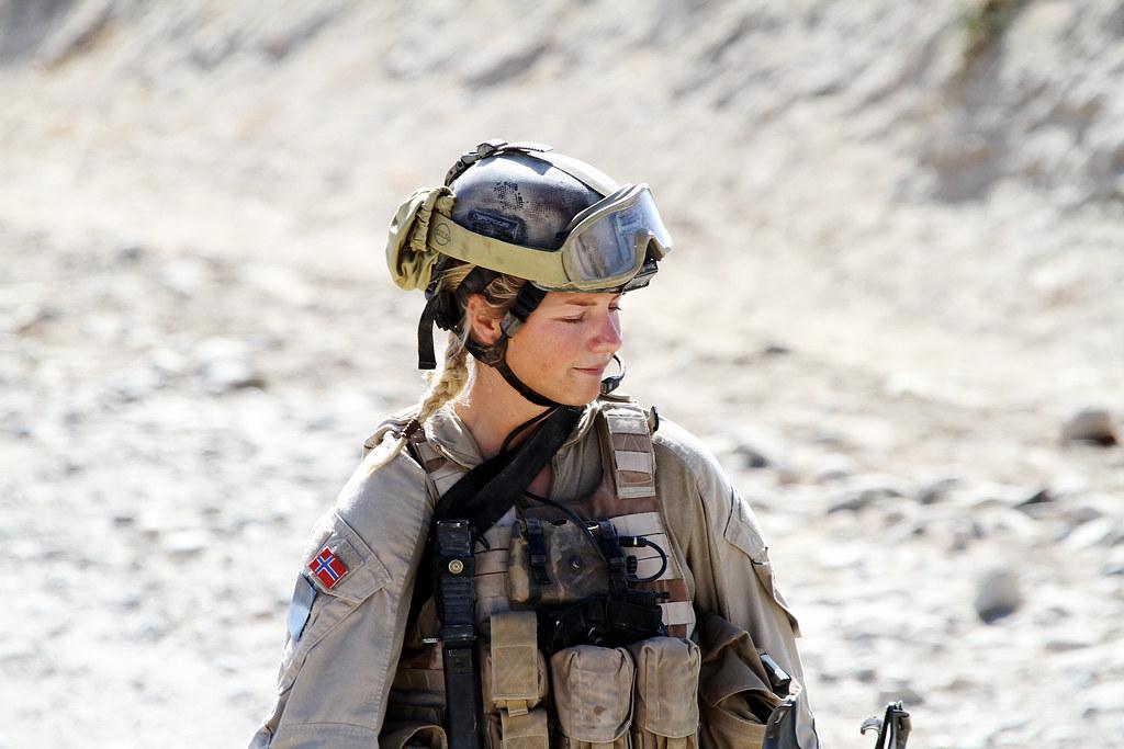 3d Winter Wallpaper Free Elise Toft Norwegian Soldier In Afghanistan Elise Toft