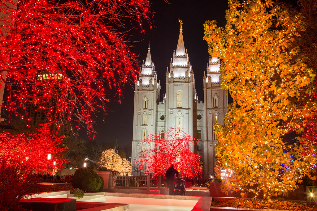 Wallpaper Jesus 3d Lights On Temple Square It S Official The Lights Are On