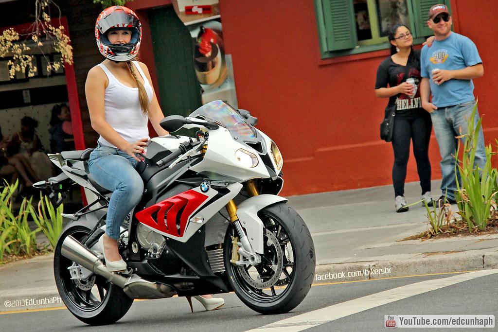 Bmw S1000rr Girl Wallpaper Bmw S1000rr Novo Bikers 76 Confira Www Youtube Com