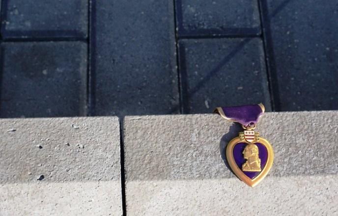 VA Purple Heart Left at the Vietnam Wall of Southwest Florida, Punta Gorda, Fla., Nov. 5, 2016