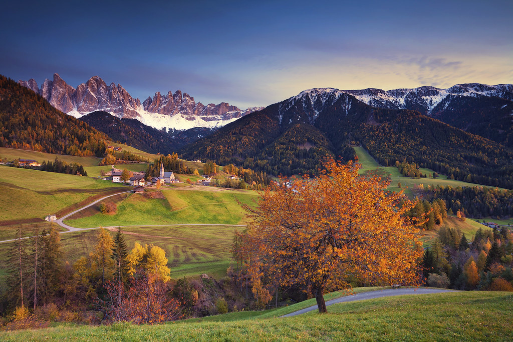 Free Winter 3d Desktop Wallpaper Autumn In Alps St Maddalena Village During Autumn
