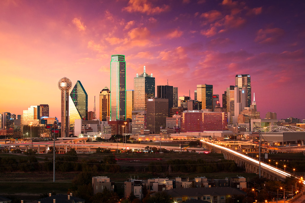 Free Fall Wallpaper For Iphone 6 Dallas Skyline At Dusk With Autumn Sunset Quot Autumn In