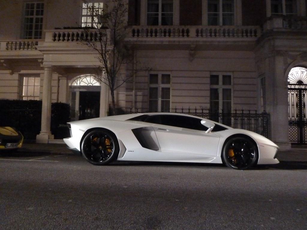 Lamborghini 3d Wallpaper Lamborghini Aventador Matte White Lp700 4 Ben Flickr