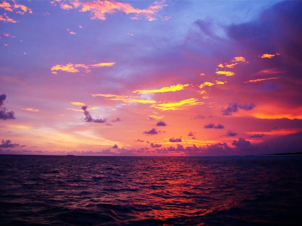 3d Sunset Wallpapers Free Sunset At Baa Atoll Maldives Sunset At Baa Atoll
