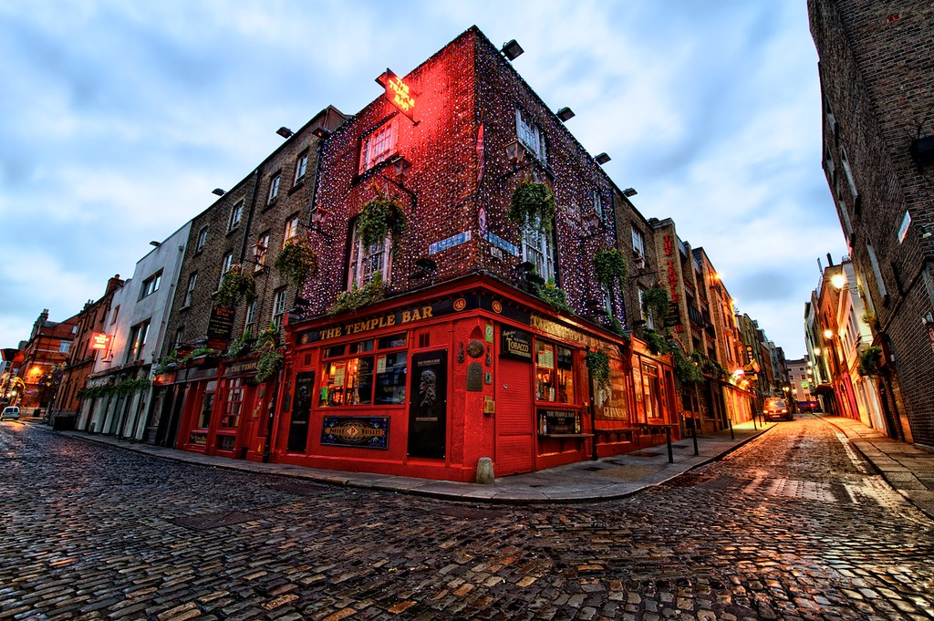 Sunrise 3d Wallpaper Early Sunday At The Temple Bar Dublin Ireland From The