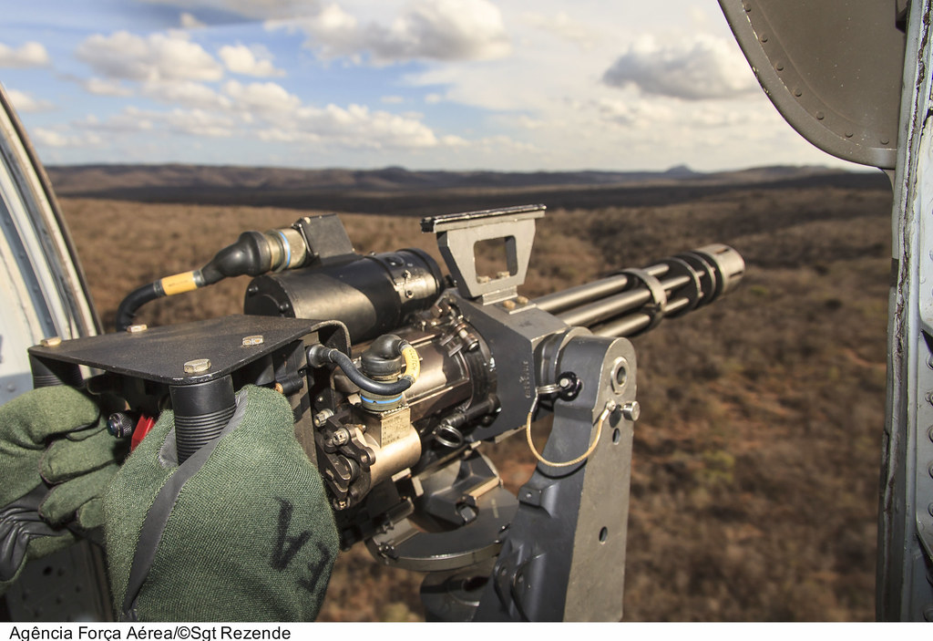 Black White Modern Wallpaper M 134 Minigun 7 62mm H 60l Black Hawk For 231 A A 233 Rea