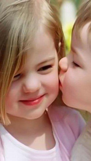 Cute Hug Day Wallpapers Beby Ciuman Love Beby Kiss Generasi 2012 Flickr
