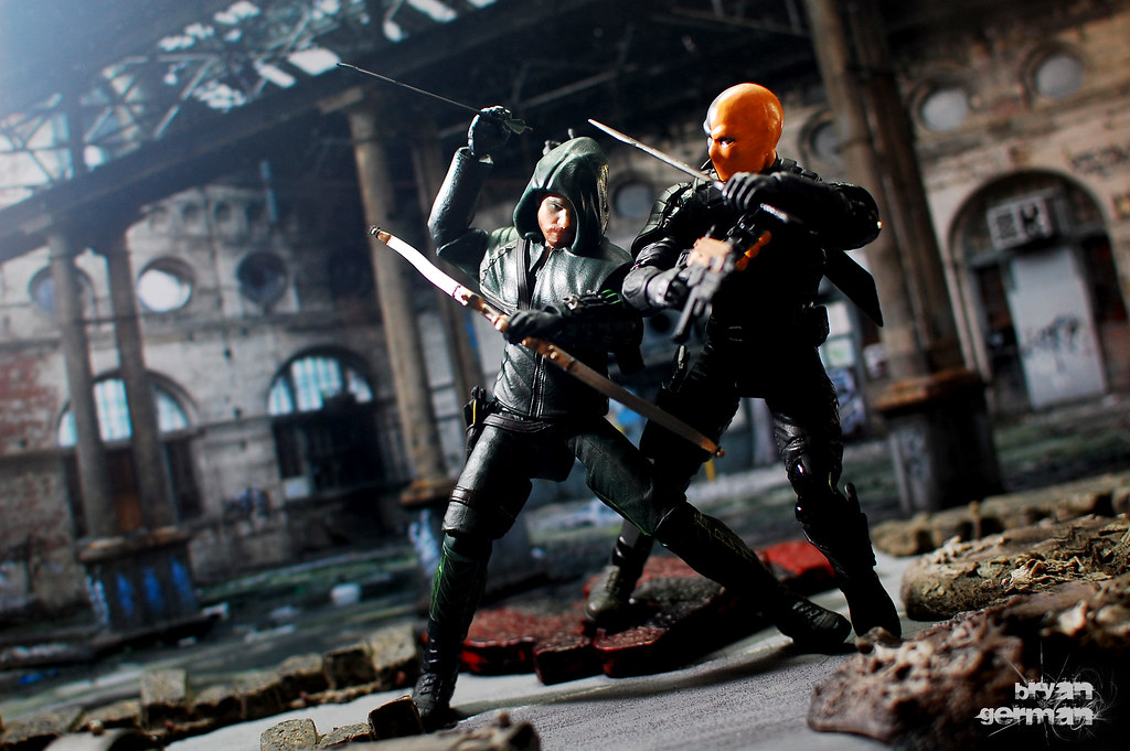 Wallpaper Spiderman 3d Arrow Vs Deathstroke Arrow 2 Pack By Dc Collectibles