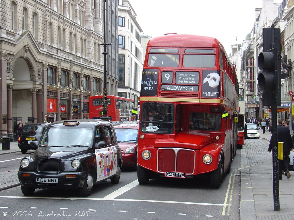 Wallpaper Her 3d Bus And Taxi In London Heritage Routemaster 1640 On