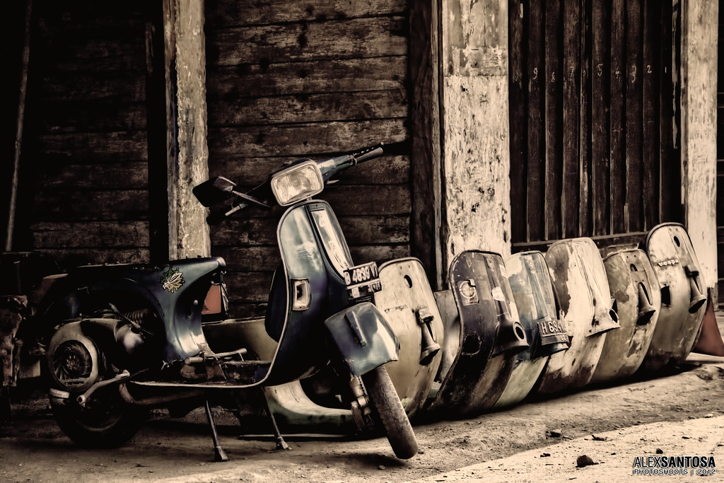 Single Girl Hd Wallpaper Vespa Alex Santosa Flickr
