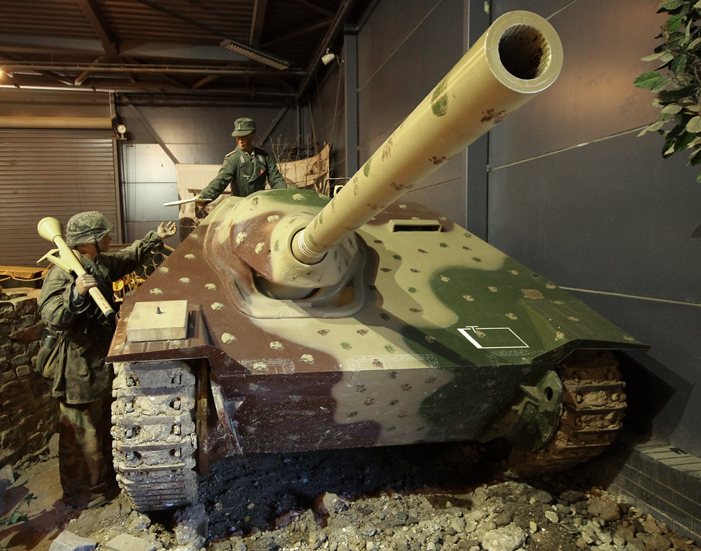 Fit Girls Wallpaper German Jagdpanzer 38t Hetzer Tank Destroyer The Hetzer
