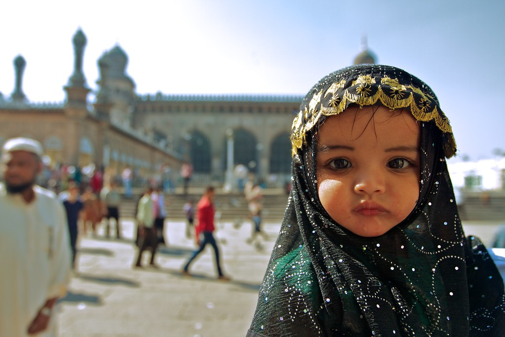 Cute Baby Comments Wallpapers A Baby At A Mosque A Young Girl Going To Mosque In The