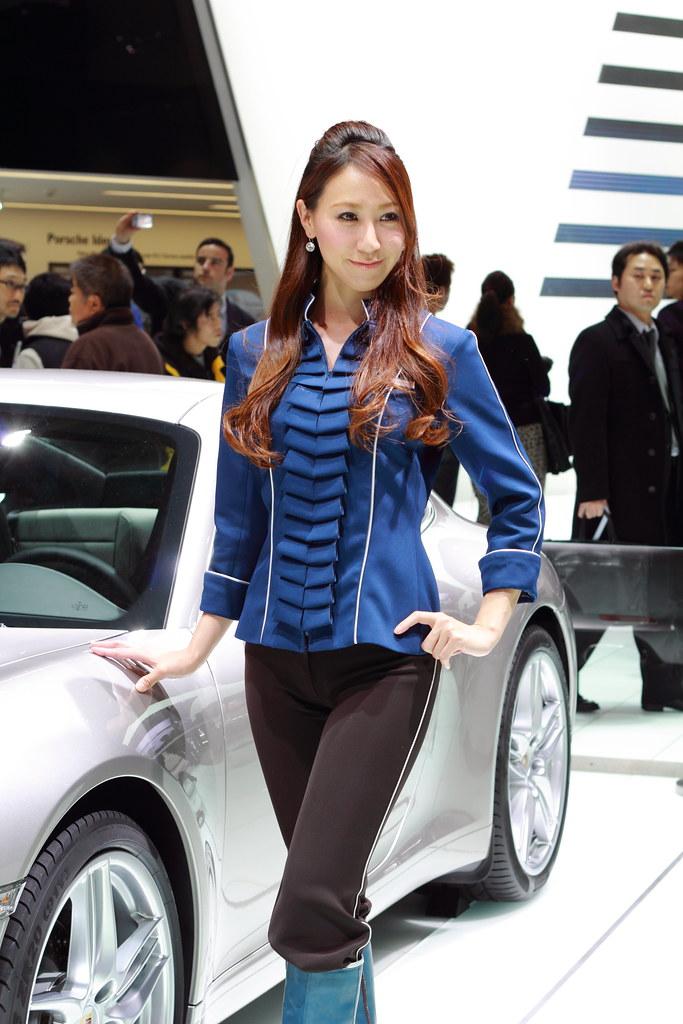 Space Girl Wallpaper Porsche Show Girl Tokyo Motor Show 2011 Ariake Tokyo