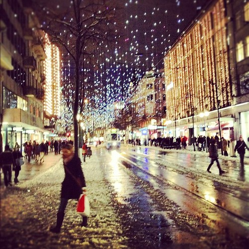 Free Download Of Christmas Wallpaper With Snow Falling Christmastime In Zurich Switzerland Igerszurich Suisse