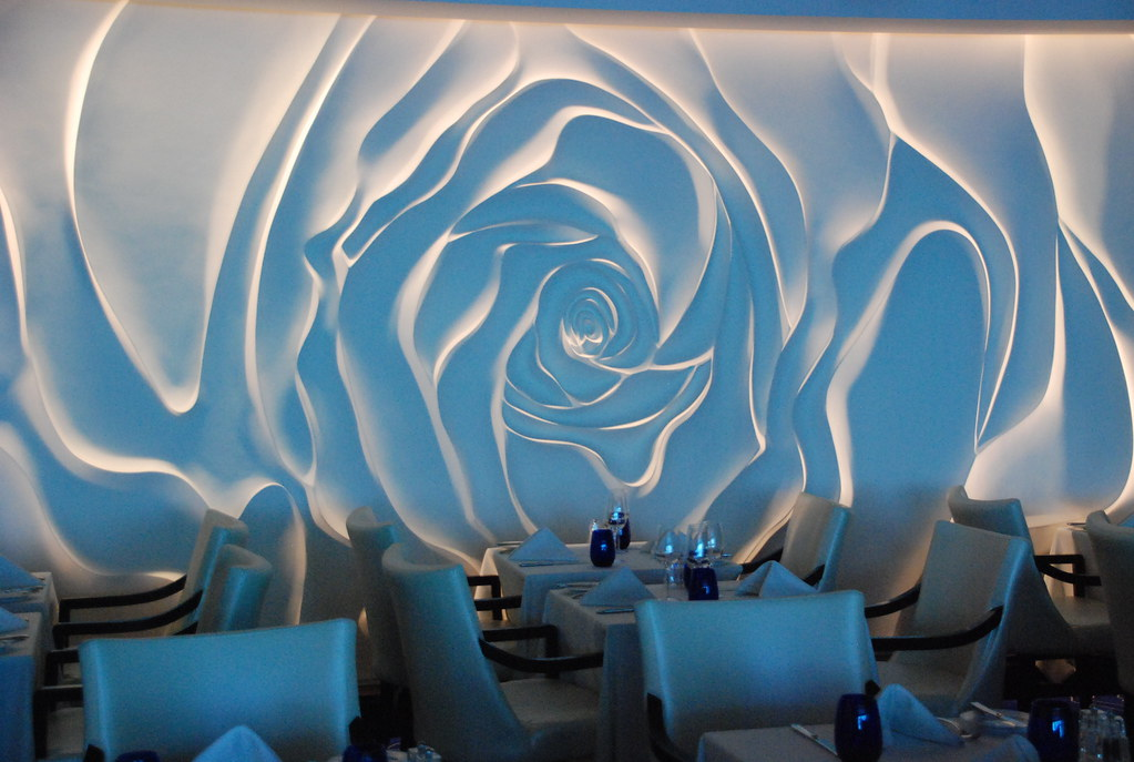 3d Wallpaper Ship Rose Wall Decor Blu Restaurant Aboard The Celebrity Equi