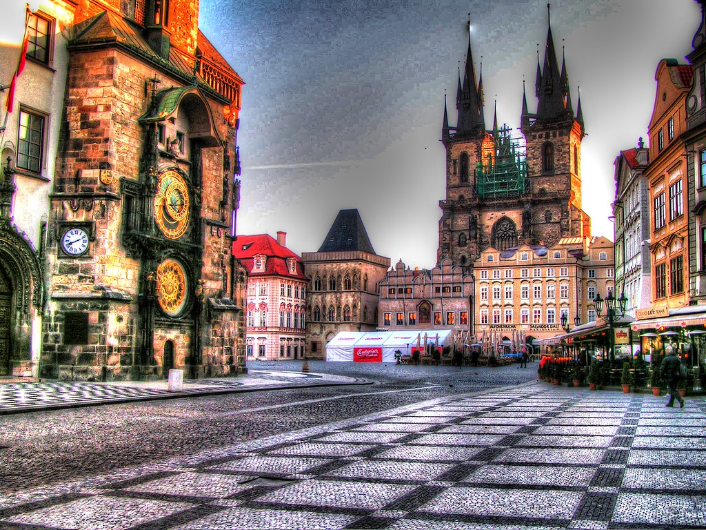 Free 3d Fall Wallpaper Old Town Square Prague The Czech Republic This Is The