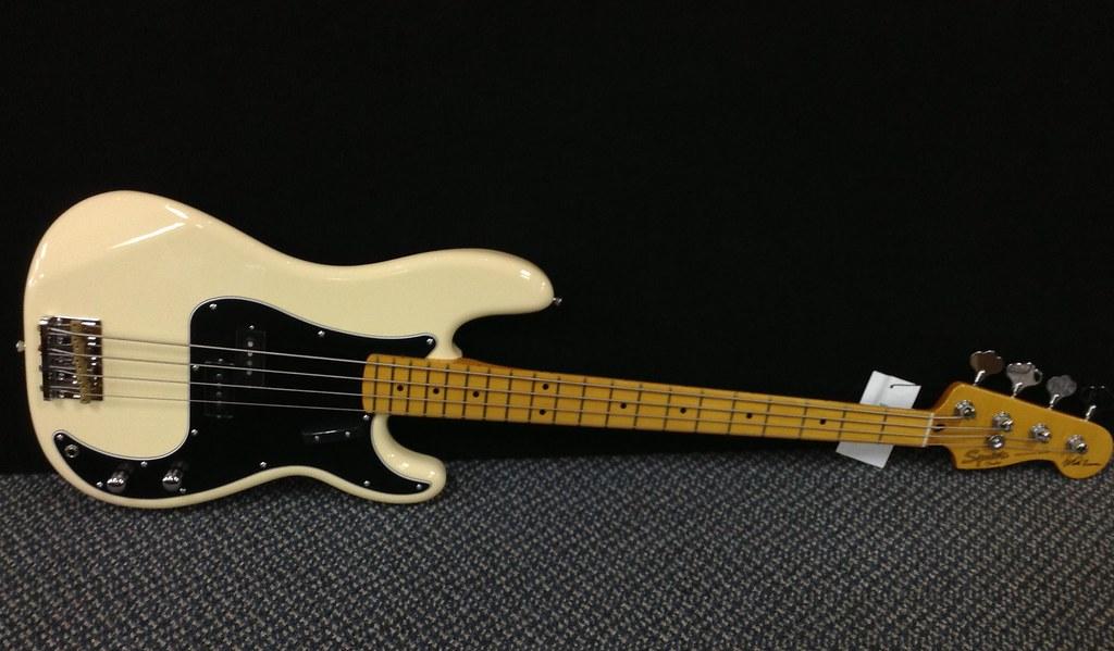 3d Music Wallpaper Squier Matt Freeman Precision Bass Vintage White 030108054