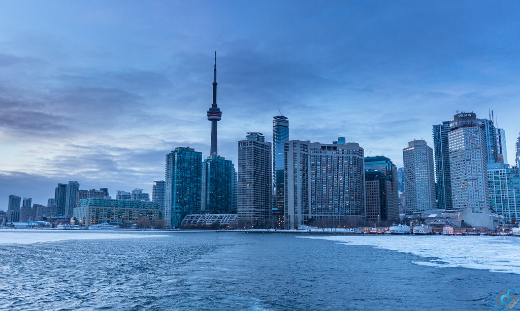 Island 3d Wallpaper Toronto Skyline Captured From The Ferry On Frozen Lake Ont