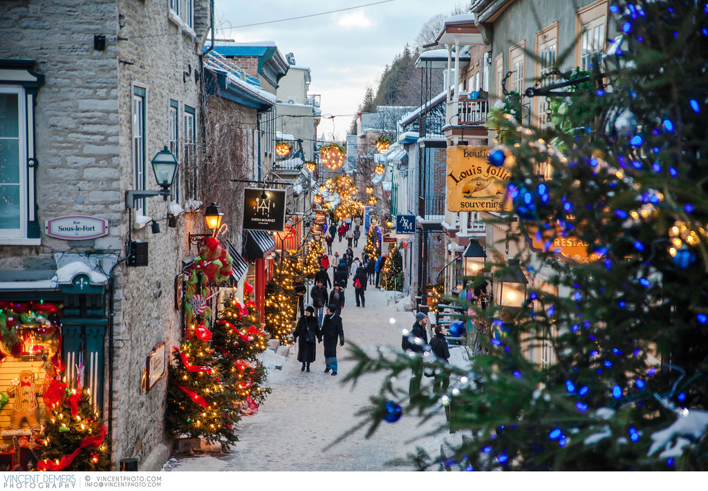 Merry Xmas 3d Wallpaper Old Quebec City During Christmas Time Holiday Decoration