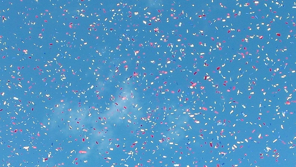 3d Blue Sky Wallpaper Blue Sky With Confetti Blue Sky With Lots Of Confetti