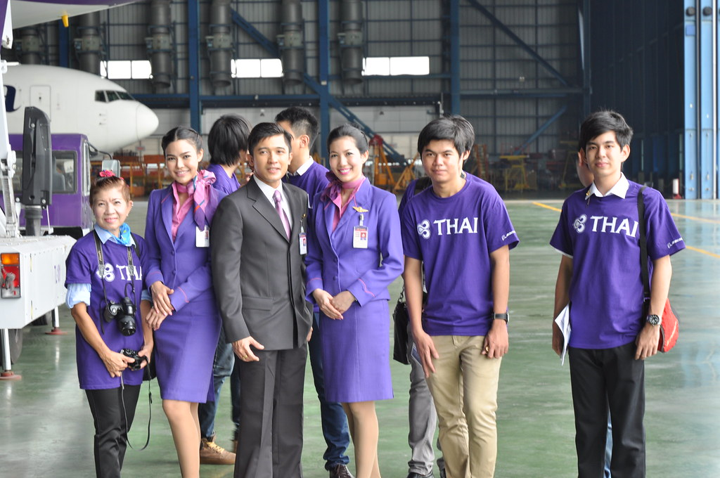 Pakistan Wallpaper 3d Thai Airways Cabin Crew Beashel Flickr