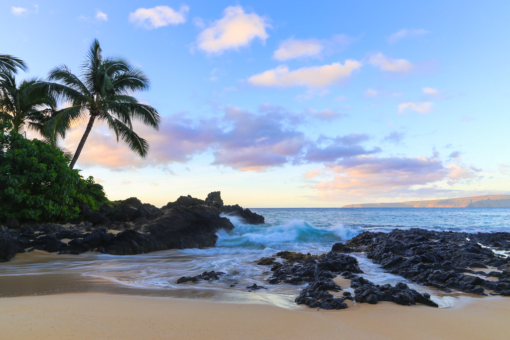 The Best 3d Wallpapers In The World Secret Cove Maui Morning Light At Secret Cove Along
