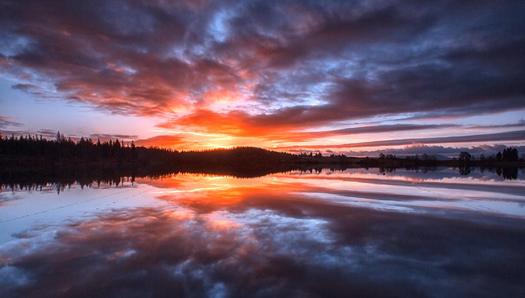 Infinity Sign Wallpaper Hd Breaking Dawn Loch Rusky Loch Rusky Is A Small Loch In