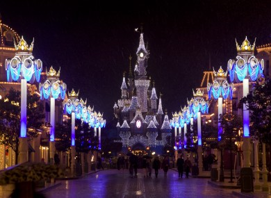 Cash Wallpaper Hd The Magic Or Income Is Gone At Disneyland Paris And It S