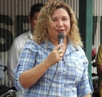 Prefeita de Belterra diz que mansão à beira do rio Tapajós praia não é dela, foto de Dilma Serrão