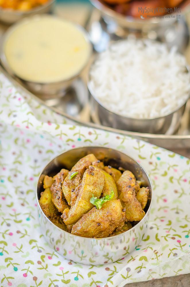 Dudhi chi Bhaji, Lauki ki Sabzi, Bottle Gourd Curry, Indian Curry, Maharashtrian Curry, Maharashtrian Thali, Maharashtrian Food, Maharashtrian Cuisine,