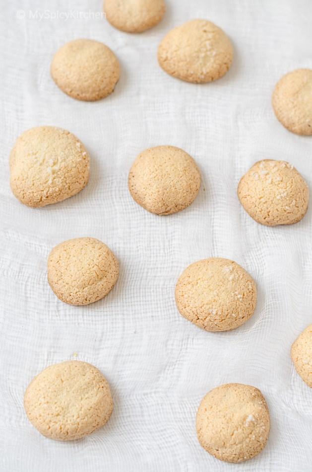 Amaretti, Amaretti Cookies, Amaretti Macaroons, Almond Cookies, Italian Cookies, Italian Food, Cookies, Blogging Marathon