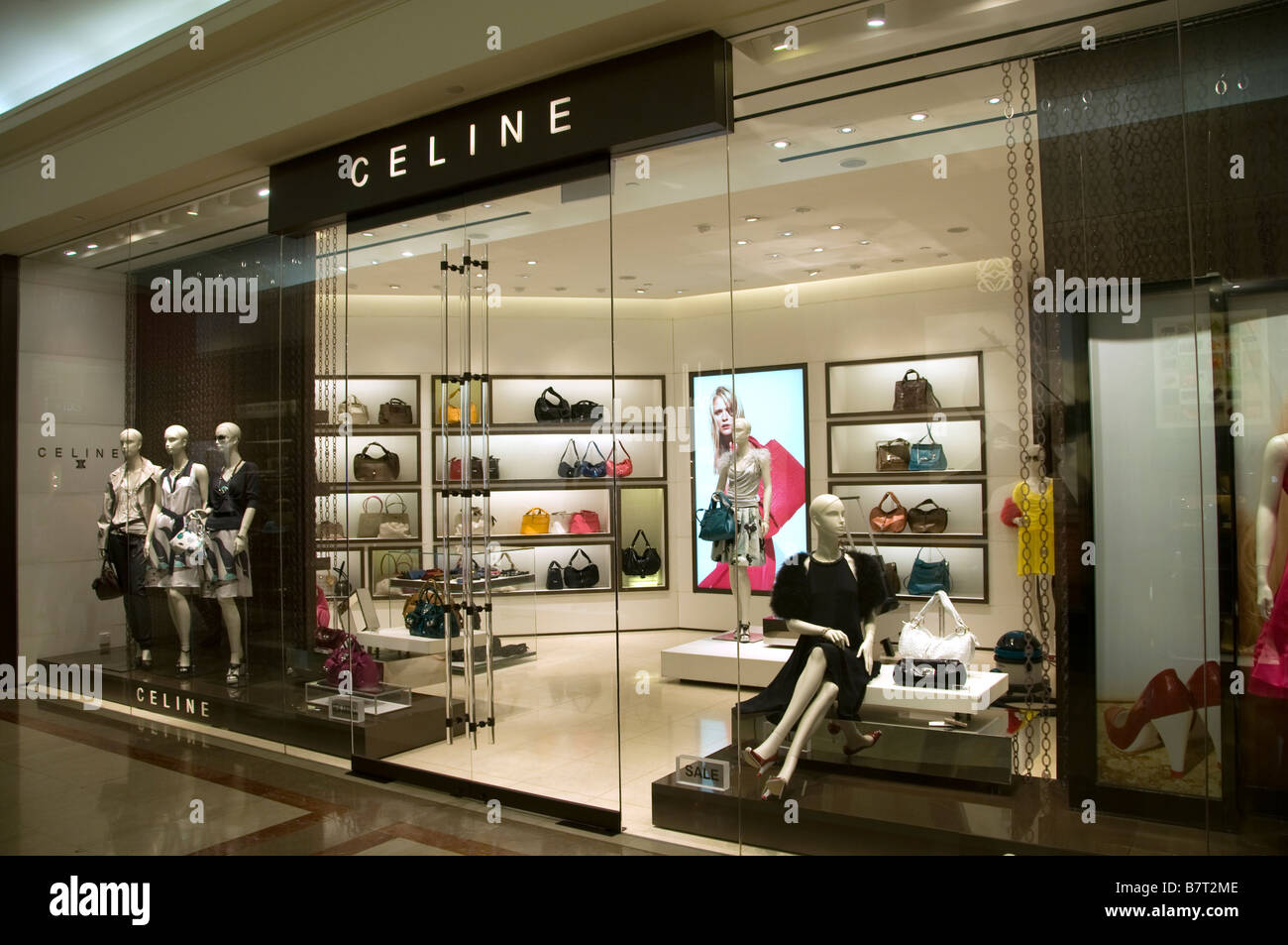 Moderne Stores Celine Ngee Ann City Singapore Orchard Road People Modern