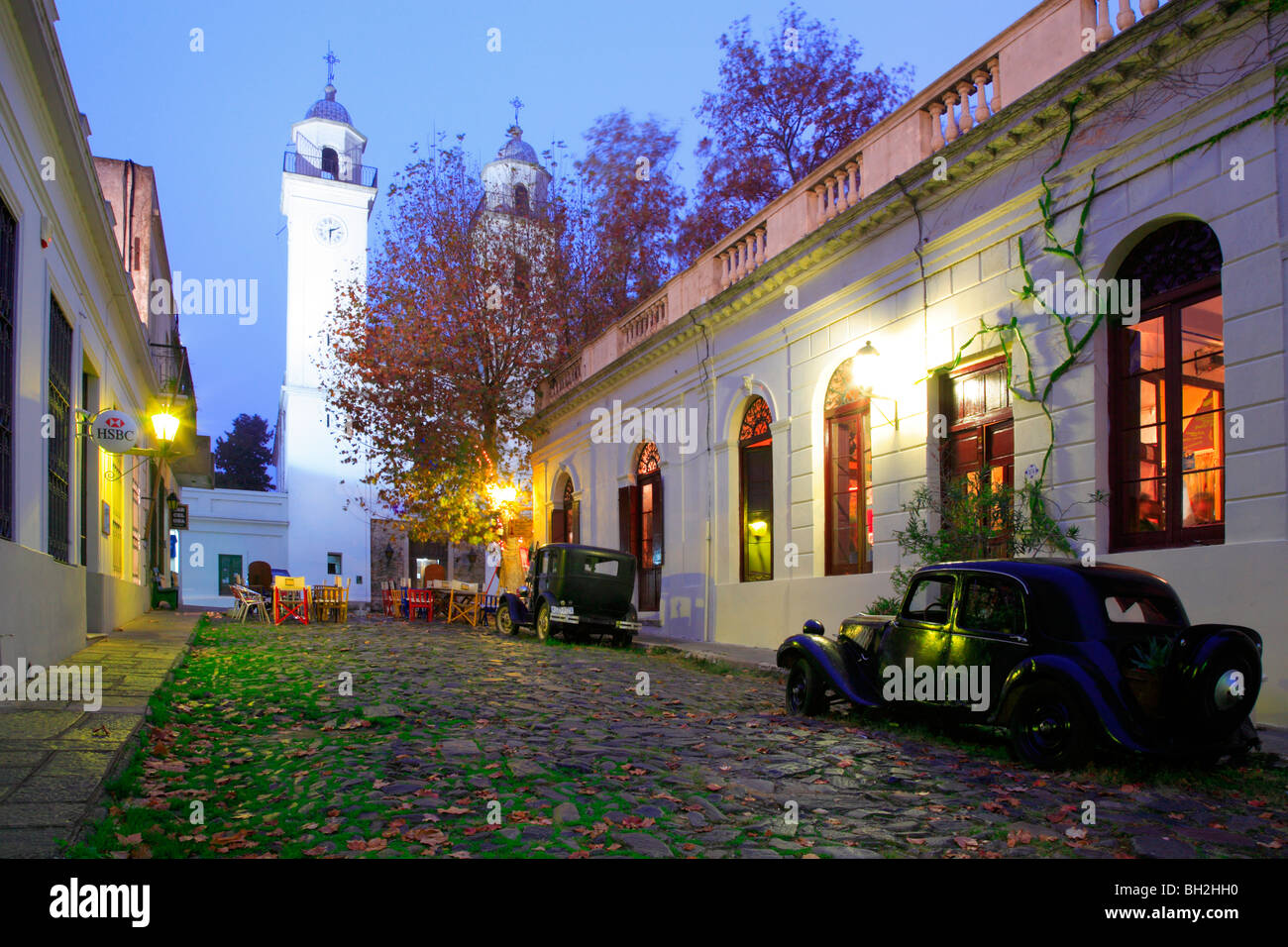 Fall Leaves Wallpaper Windows 7 Old Street At Colonia Del Sacramento With Old Car And
