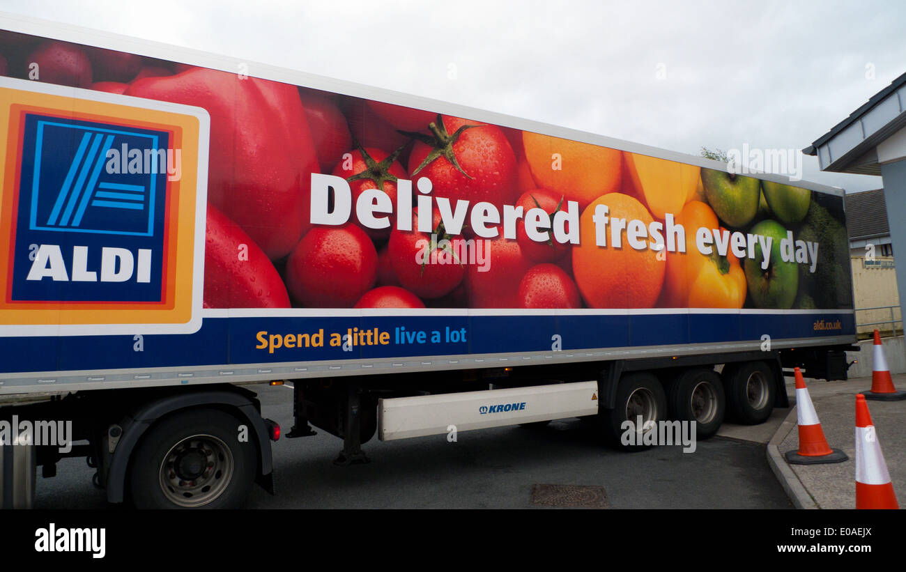 Aldi Reclame Aldi Delivery Truck Lorry With Quotspend A Little Live A Lot
