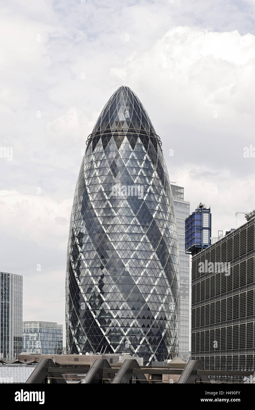 Norman Foster Swiss Re Tower By Architect Sir Norman Foster 30 St Mary Axe