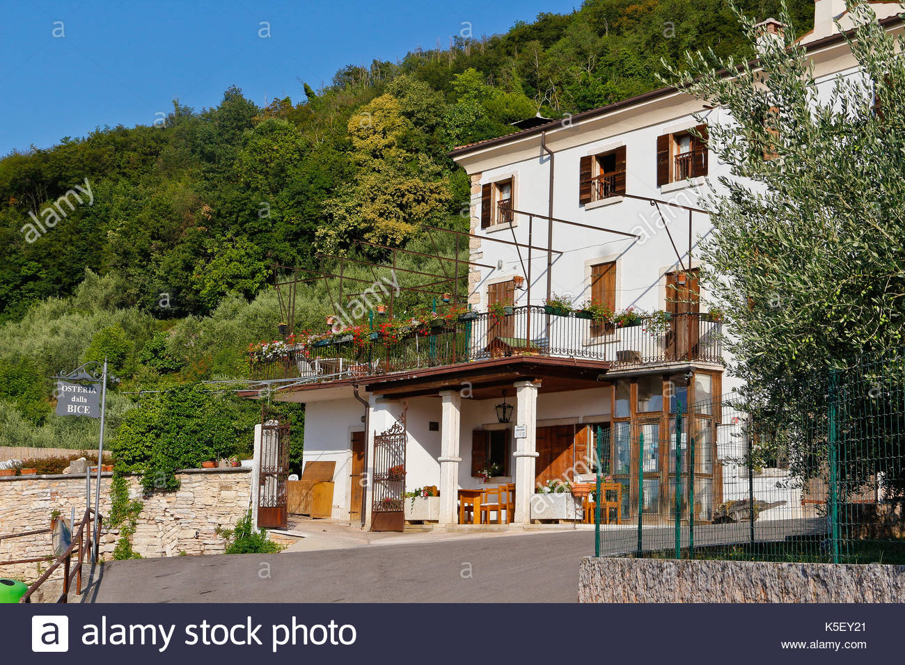 Osteria Del Leone Bagno Vignoni Osteria Sign Stock Photos And Osteria Sign Stock Images Alamy