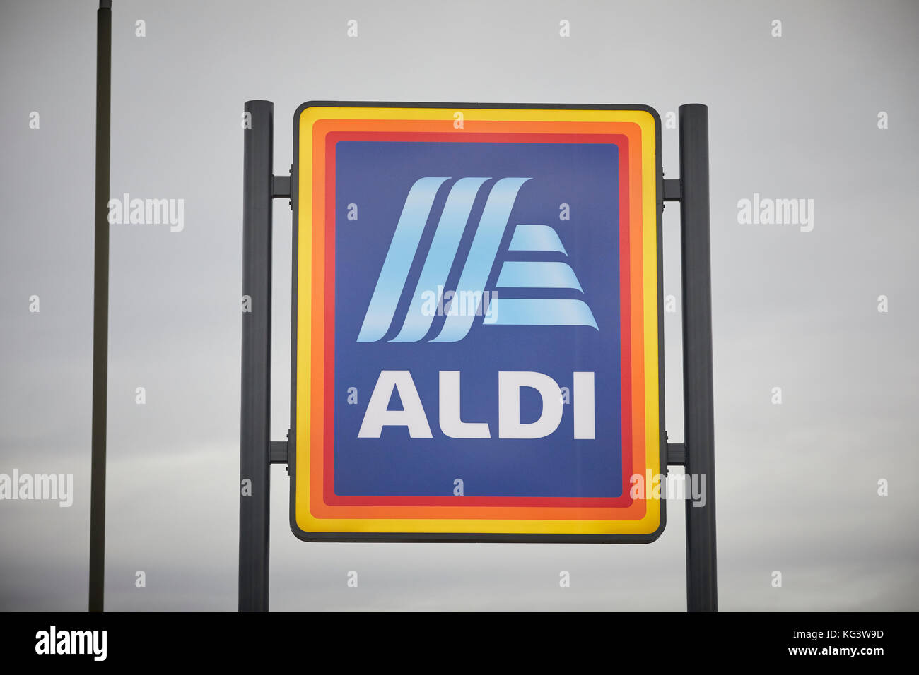 Aldi Reclame Aldi Logo Stock Photos And Aldi Logo Stock Images Alamy