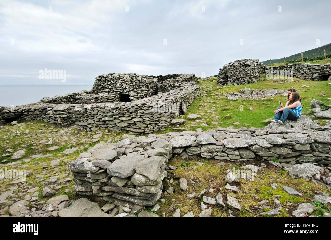 Irish Stone Houses Ancient Celtic Stone Houses In Walled Enclosure Settlement