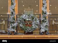 Holiday Retail Window Stock Photos & Holiday Retail Window ...