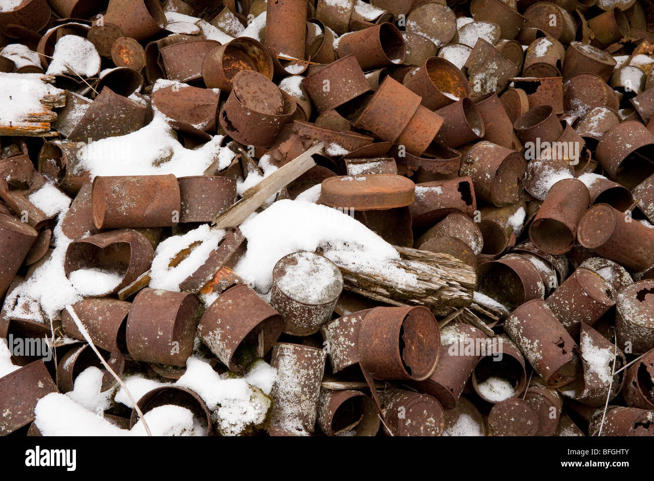 Container Haus Nordirland Rusty Cans Stockfotos And Rusty Cans Bilder Alamy