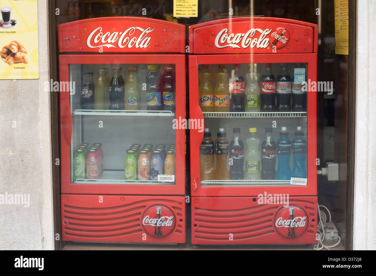 Kühlschrank Coca Cola Husky : Das sind die besten getränkekühlschränke mini kühlschrank guide