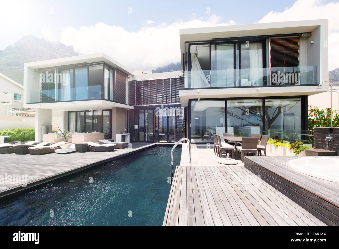 Pool Sessel Luxus Villa With Pool Stockfotos And Villa With Pool Bilder Alamy