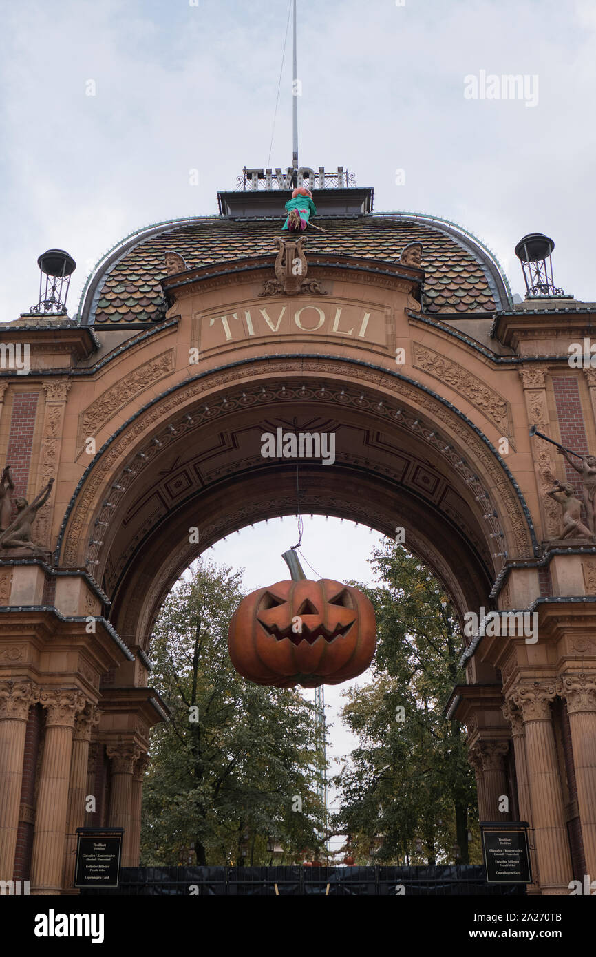 Halloween In Tivoli Gardens Amusement Park High Resolution Stock Photography And Images Alamy