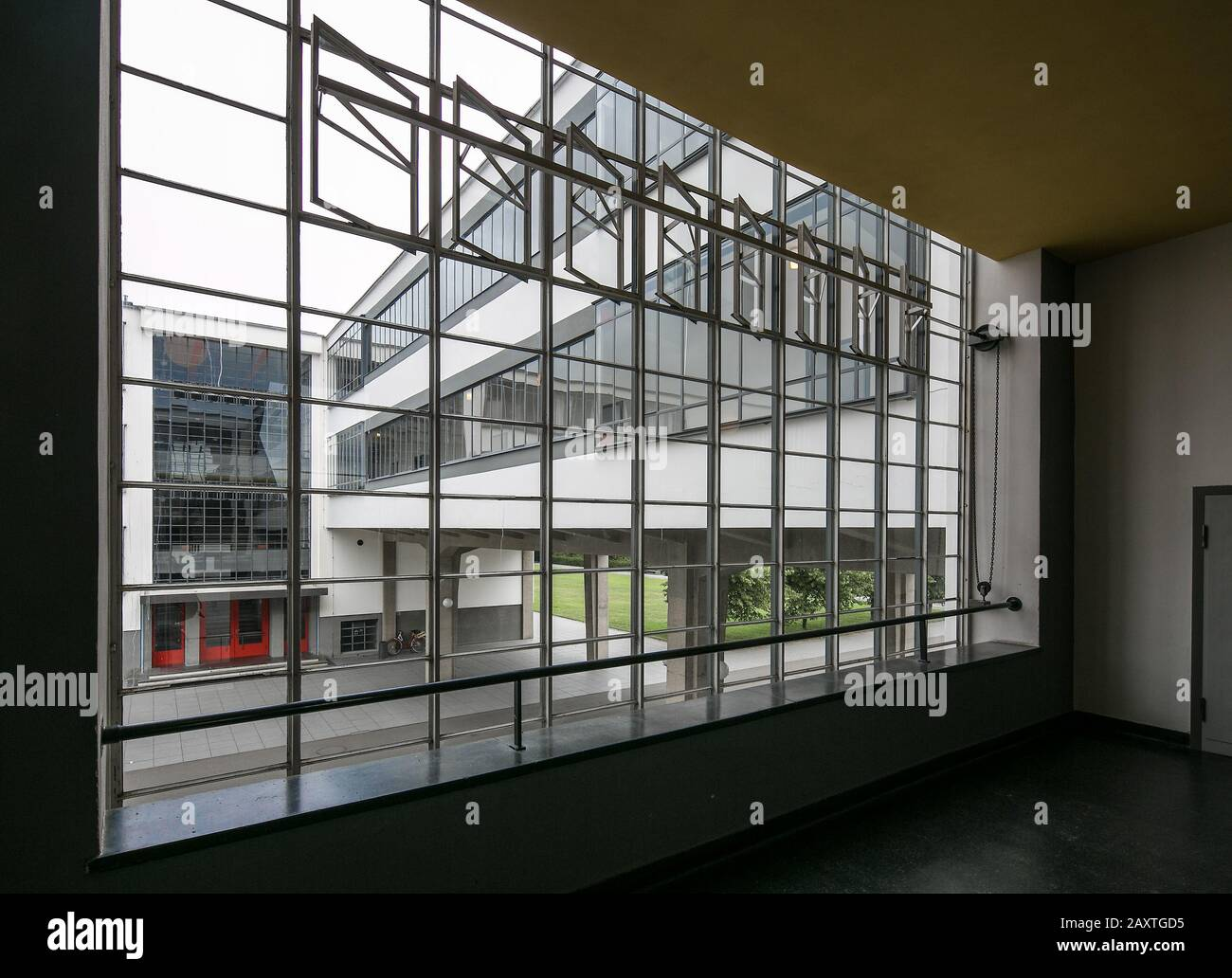 Fenster Bauhaus Bauhaus Art Academy High Resolution Stock Photography And Images - Alamy