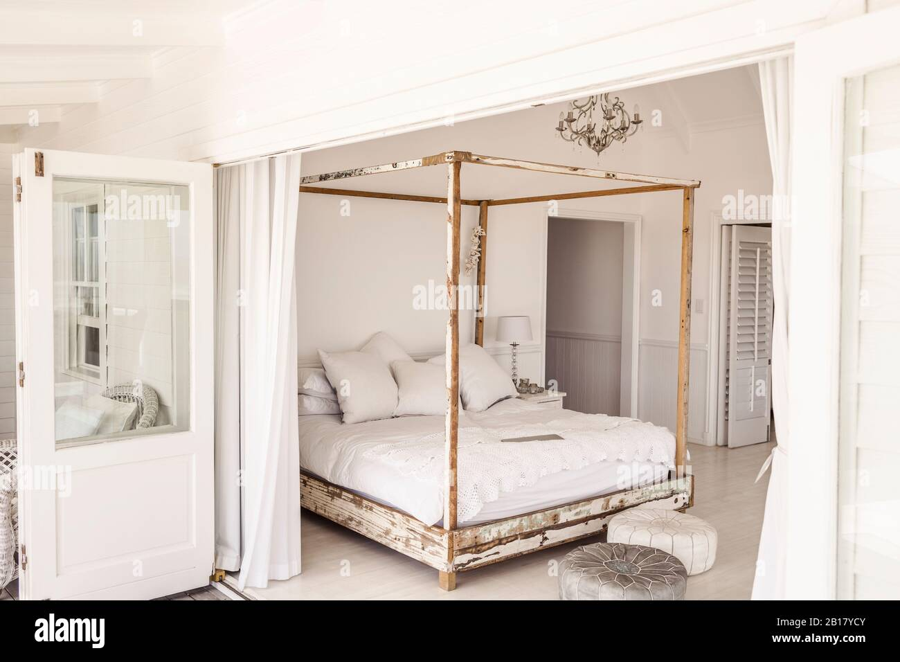 Shabby Chic Furniture High Resolution Stock Photography And Images Alamy