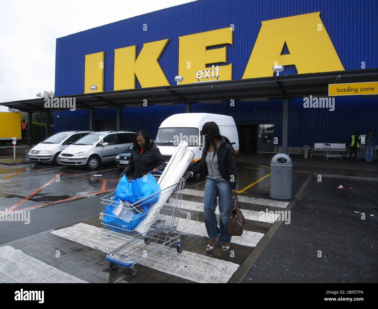 Ikea Customers High Resolution Stock Photography And Images Alamy