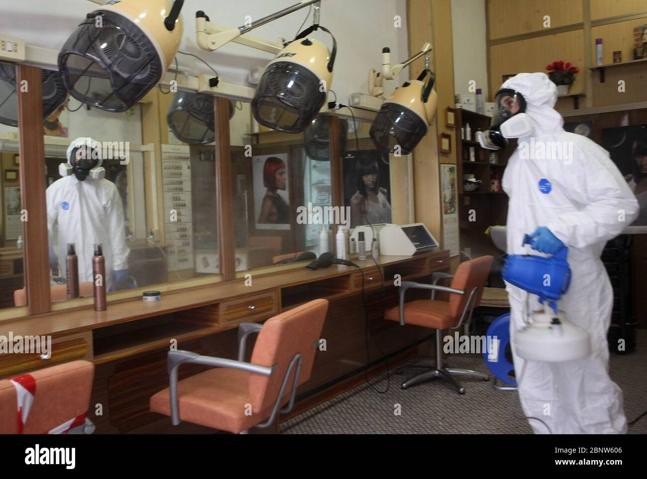 Rome Italy 16th May 2020 Rome Sanitation Of A Hairdressing Salon On The Occasion Of The Reopening Of May 18 Pictured Credit Independent Photo Agency Alamy Live News Stock Photo Alamy
